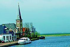 Die Niederlande vom Wasser aus entdecken - (rf) Die Niederlande sind bekannt als Land der Mühlen, Tulpenfelder, Deiche und Grachten. Das Wasser prägt die niederländische Landschaft wie kein anderes Element. Ideal für einen Persepktivenwechsel: Holland auf Wasserwegen entdecken! Wer Ferien auf dem Wasser liebt, sollte sich auf Hausboot-Tour ... Link: http://www.reisefernsehen.com/reise-news/ausflugstipps/die-niederlande-vom-wasser-aus-entdecken.php