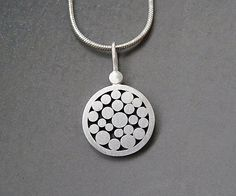 Sterling silver granulated pendant Sterling por Kailajewellery