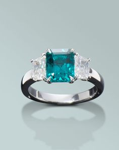 Colombian emerald and diamond ring | Engagement Rings Fine Gemstones Gold Platinum Designer Jewelry