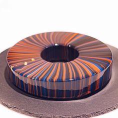 8,152 mentions J'aime, 78 commentaires – Ksenia Penkina (@ksenia.penkina) sur Instagram : «Infinity #cake . . #chefstalk #cakedecorating #mirrorglaze #moussecake #entremet #donut #pastrylife…»
