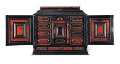 Cabinet en écaille rouge et ébène. anversois du XVIIe siècle