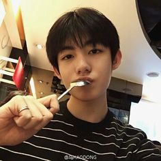 ulzzang and boy image Korean Boys Ulzzang, Cute Korean Boys, Asian Cute, Ulzzang Couple, Ulzzang Boy, Korean Men, Asian Boys, Asian Men, Korean Girl