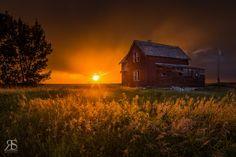 Prairie Storm by Robert Scott on Cool Photos, Beautiful Pictures, Amazing Photos, Amazing Art, Thunderstorm Clouds, Robert Scott, Earth Photos, After The Storm, Ranch Life