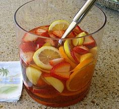 A fabulous summertime sangria recipe combining white wine with orange, peach and strawberry. Strawberry Peach Sangria Recipe, Peach Sangria Recipes, Strawberry Syrup, Summer Drinks, Cocktail Drinks, Fun Drinks, Cocktails, Beverages, Alcohol