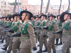 #2005 - In Italia il servizio militare obbligatorio viene sostituito dalla leva volontaria.  #militare #levavolontaria #esercito #legge #italia #100 #100anni #BNL