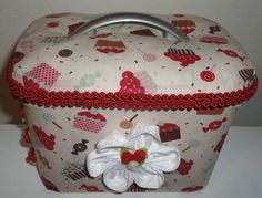 Made from plastic ice cream bucket Ice Cream Containers, Lulu Love, Little Bit, Milk Cans, Crochet Dolls, Decoupage, Free Pattern, Diy And Crafts, Upcycle