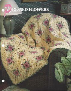 Flores Prensadas Crochê Coberta Acolchoada itens decorativos Criações -  /  Pressed Flowers Crochet Quilt Knacks Creations  -