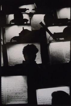 Orchestra Pit, San Francisco Opera House, 1950s ↡رجل وحيد▼