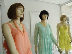 """Vitrine da Semana Femme - 09/10 à 15/10  Laranja, verde e amarelo - São as cores do momento! Cores vibrantes, mas que vem seguindo outra tendência a """"candy color"""" .Verdade seja dita, estão mais """"doces"""", mas não menos intensas."""