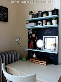 Transform your desk into a magnetic chalkboard vanity! You can #DIY using a Elmer's ProBond Advanced, a metal sheet, pallet wood, and #chalkboard paint.