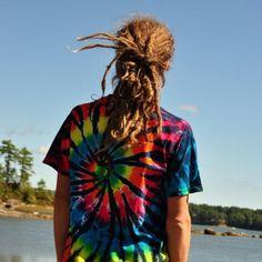 :} tye dye AND dreads?!?! GOOD GOD!!