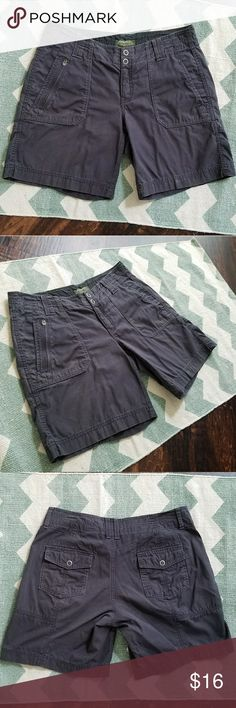 {Eddie Bauer} gray Shorts Size 8 petite Inseam - 8 inches Waist - 16.5 inches (measured flat)  Photos are the description of this item. Any flaws will be noted. Otherwise article is in good-excellent condition.  Feel free to ask questions ? Eddie Bauer Shorts