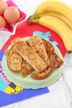 Baby French Toast ( Eggy Banana Bread ) This simple French Toast or Eggy Bread recipe makes the perfect finger food for weaning babies and toddlers! Baby Led Weaning Breakfast, Baby Breakfast, Toddler Finger Foods, Toddler Meals, Toddler Food, Toddler Recipes, Baby Food Recipes, Gourmet Recipes, Snack Recipes