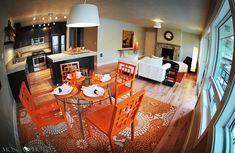 Orange gives the dining space a unique identity -PEQUEÑOS ESPACIOS