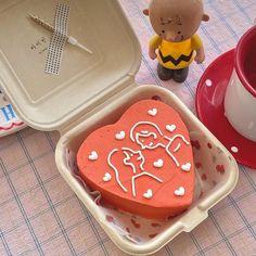 Pretty Birthday Cakes, Pretty Cakes, Mini Cakes, Cupcake Cakes, Simple Cake Designs, Korean Cake, Pastel Cakes, Think Food, Cute Desserts