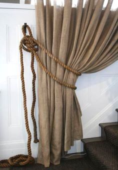 21 nautical rope crafts & decor ideas - via Completely Coastal.