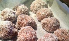 high Fibre Chocolate Protein Balls! Gluten Free :) http://rikkiliane.blogspot.com.au/2014/09/high-fibre-chocolate-protein-balls.html
