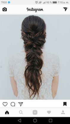 42 Half-Up Wedding Hair Ideas That Will Make Guests Swoon On Your Big Day Half-up hair is the perfect style for a relaxed wedding look. Wedding Hair Brunette, Half Up Wedding Hair, Wedding Braids, Long Hair Wedding Styles, Wedding Hair And Makeup, Bridal Hair, Hair Ideas For Wedding Guest, Fishtail Braid Wedding, Bohemian Wedding Hair