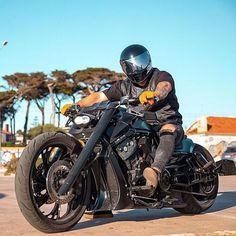 Softail Bobber, Bobber Bikes, Cool Motorcycles, Vrod Custom, Night Rod Special, Harley Davidson V Rod, Super Bikes, Custom Bikes, Cool Bikes