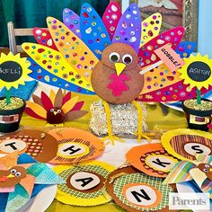 10 turkey-rific ways to keep the little ones busy at the table while you whip up your Thanksgiving feast.