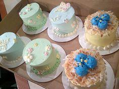 Mini Easter Cakes