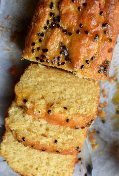 Cake passion au lait de coco - Lemon passionfruit loaf made with coconut cream. Lemon Recipes, Sweet Recipes, Baking Recipes, Cake Recipes, Dessert Recipes, Desserts, Passionfruit Recipes, Passionfruit Butter, Bolo Fit