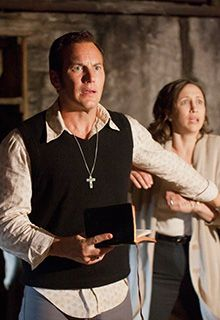 """In the trailer for Warner Bros. new film """"The Conjuring,"""" Patrick Wilson and Vera Farmiga play real-life paranormal investigators Ed and Lorraine Warren, who find themselves in the midst of their most terrifying case yet. Lorraine Warren, Patrick Wilson, Scary Movies, Good Movies, Awesome Movies, The Conjuring Annabelle, Image Film, Vera Farmiga, Movies Worth Watching"""
