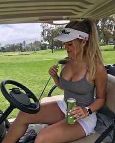 The Stress Free Golf Swing. Now you can use Ben Hogan's real golf swing secret to hit the ball properly and control where it goes. Girls Golf, Ladies Golf, Sport Treiben, Sexy Golf, Sporty Girls, Golf Fashion, Golf Outfit, Up Girl, Sports Women