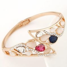 Czech Rhinestone and Colorful Opal Embedded Hollow Wings Design Fashion Bangle