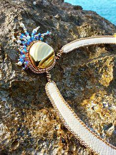 Shibori bead embroidery sea necklace by Martha Mollichella - Lacasinaditobia Lacasinaditobia