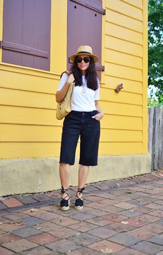 DIY Time! Turn Your Old Jeans Into A Pair Of Bermuda Shorts