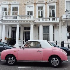 It's time to see a cute pink car in your feed #london #thisislondon #prettycitylondon #housesofldn #ihavethisthingwithpink #pink #vintage #retro #vintagecar #car #nissanfigaro