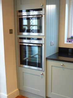 71 Kitchen Cabinet Door Remodel Ideas tall oven cabinet with painted shaker doors tongue and groove end Kitchen Oven, Shaker Kitchen, New Kitchen, Kitchen Dining, Double Oven Kitchen, Dining Room, Grey Painted Kitchen, Kitchen Paint, Home Decor Kitchen