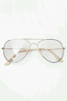 Clear Aviators these babies are coming into style! Fake Glasses, Glasses Frames, Circle Glasses, Glasses Trends, Fashion Eye Glasses, Aviator Glasses, Sunglasses Sale, Eyeglasses, Fashion Outfits