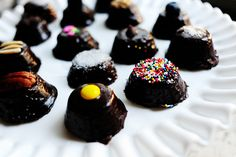 brownie bites. for me this is kind of a craft thing. i don't need a food pinboard. that's for sure. that could get me into some craving trouble.