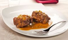 Receta de rabo guisado con verduras y una salsa de vino tinto. Un guiso básico de carne elaborado por Bruno Oteiza. #rabo #guiso #receta