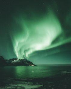 Steffen Fossbakk Captures Norway's Northern Lights in Spectacular Show #photography