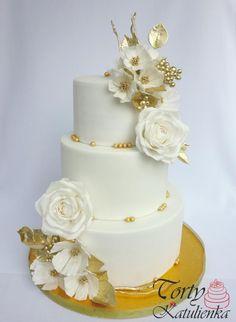 White - gold wedding Cake - cake by Cakes by Katulienka