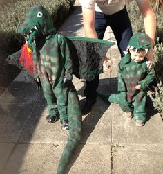 Super-Crafty Costume Contest: The final field is here — vote now! Halloween Costume Contest, Halloween Costumes For Kids, Halloween Crafts, Costume Ideas, Easy Craft Projects, Easy Crafts For Kids, Dinosaur Halloween, Sports Scores, Dinosaurs