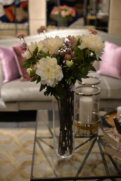 En vacker bukett, enkelt att fixa, lättskött och framförallt håller den sig vacker betydligt längre än vanliga blommor.