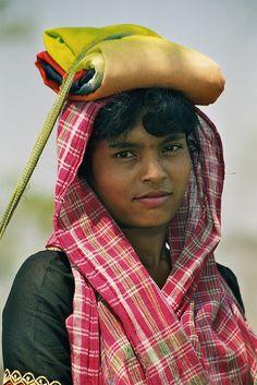 Asia | Portrait of a girl, Sri Lanka | Rudi Roels