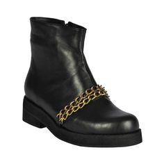 Botín de mujer chain, negro con cadena. Biker, Wedges, Sky, Shoes, Fashion, Women's Booties, Chains, Black People, Heaven