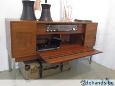 Hip retro / vintage jaren 50-60 audiomeubel