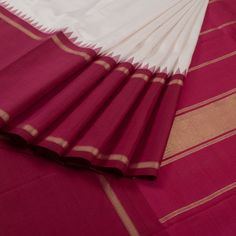 Sri Sagunthalai Silks White Handwoven Korvai Kanchipuram Silk Saree with Temple & Thandavalam Border 10007508 - profile - AVISHYA.COM