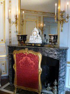 Fontainebleau chateau -▇  #Home #Elegant #Design #Decor  via - Christina Khandan  on IrvineHomeBlog - Irvine, California ༺ ℭƘ ༻