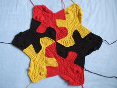 knitted tessellations... brilliant. Huh. This looks difficult! A challenge for someday...
