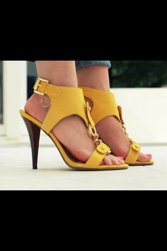Love! The new summer shoe look!
