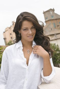 More beautiful photos of Ana Ivanovic are out —this time she posed with Luca Carati diamond jewelry. Luca Carati was founded in Valenza, Italy in Ana looks romantic in white and that's … Ana Ivanovic, Angelique Kerber, Belle Nana, Wta Tennis, Tennis Players Female, Tennis Stars, Maria Sharapova, Wimbledon, Female Athletes