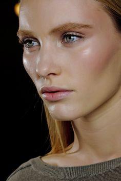 Beautiful dewy skin Nude make up