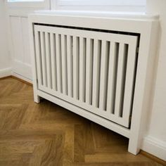 Simple radiator cover under reorganized box window with inclusion of the … - Home Page Home Design, Flur Design, Küchen Design, Interior Design, Home Radiators, Living Etc, Radiator Cover, Creative Home, Ikea